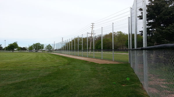 liftsafe sports netting sur un terrain de baseball
