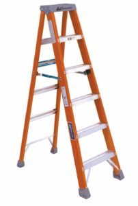 HEAVY-DUTY INDUSTRIAL, FIBREGLASS STEP LADDER LADDER, FIBREGLASS, 6 FT